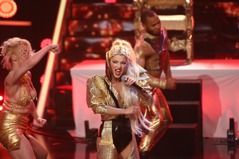 Te cunosc de undeva 2020, ediția 14. AMI, mai sexy ca oricând, face un show incendiar transformată în Christina Aguilera