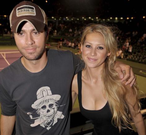 Puțini știu cum a început relația lor. Adevărul despre Enrique Iglesias și Anna Kournikova, cei mai discreți soți din showbiz