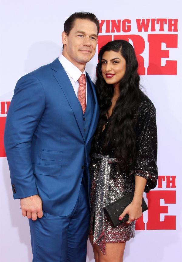 John Cena si sotia pe covorul rosu