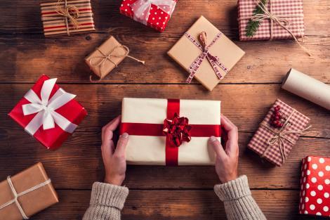 mai multe cadouri potrivite de craciun pentru alegerea carora s-a tinut cont de cateva sfaturi
