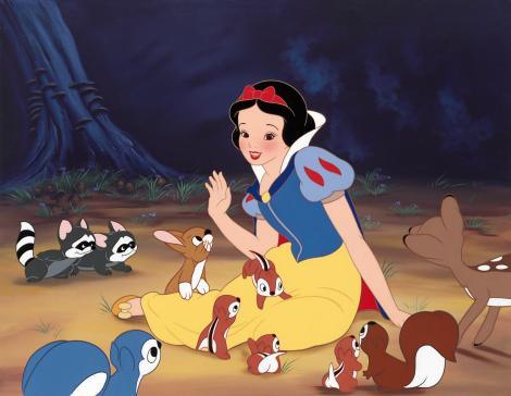 Vocile din spatele filmului fenomen Albă ca zăpadă și cei șapte pitici. Ce vedete au dat voce personajelor animate