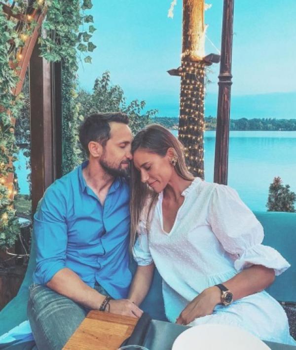Dani Oțil și iubita sa, Gabriela Prisăcariu, fac senzație cu pozele din vacanță