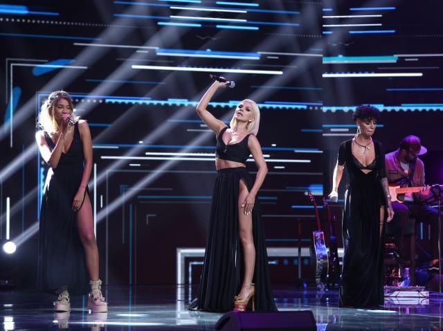 """X Factor 2020. Trupa """"Rainbow Queens"""" a făcut senzație pe scenă cu piesa """"God Is A Woman"""""""