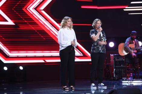 X Factor 3 decembrie 2020. Gemenele Conta, cel mai emoționant moment din Bootcamp. I-au cucerit pe jurați din primele secunde
