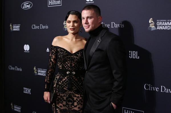 Jessie J și Channing Tatum pe covorul roșu, în fața fotografilor