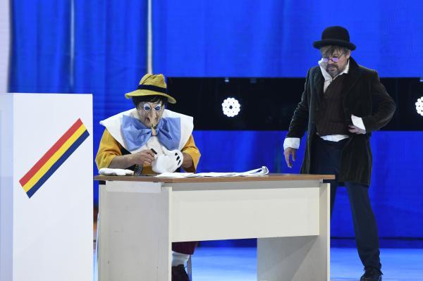 Pinocchio si cetateanul turmentat, cristi iacob, intr-un moment de actorie la revelionul starurilor 2021