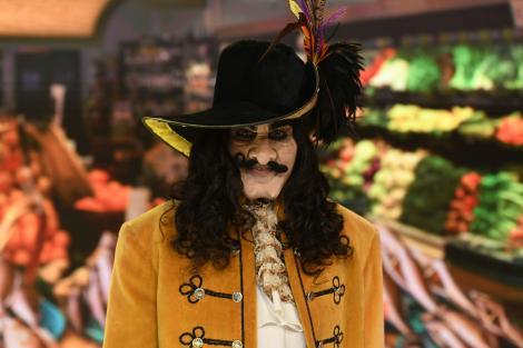 Capitanul Hook, personajul Oanei Zavoranu, la revelionul starurilor 2021
