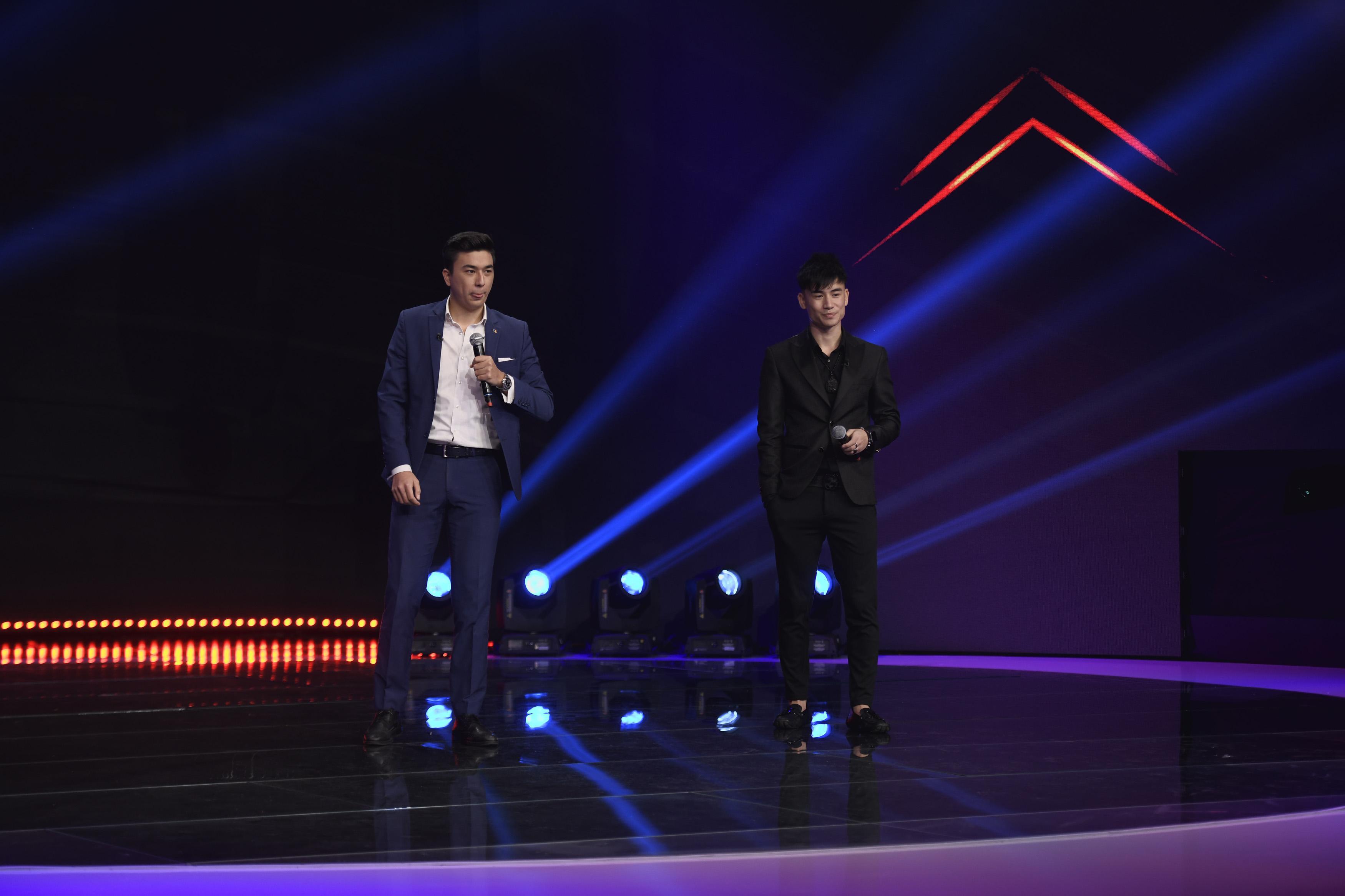 iUmor 2020, Semifinala. Triada chineză, momentul la care s-au aruncat mulți bani pe scenă