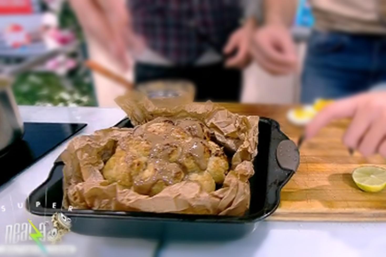 Rețetă de conopidă la cuptor cu sos de condimente, gătită de Nicolai Tand la Neatza cu Răzvan și Dani