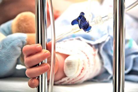 """Detalii revoltătoare în cazul băiețelului care a intrat în comă după ce a mers la dentist: """"Nu au avut dotările necesare"""""""