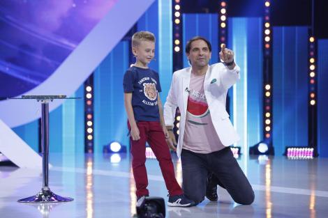 """El e """"Micul Einstein"""" al României! Mihai face calcule cu milioane și miliarde, totul în minte, în doar câteva secunde!"""