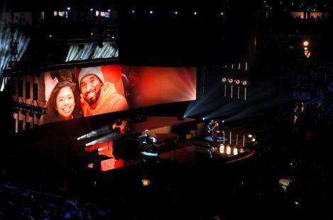 Kobe şi Gianna Bryant, omagiaţi la All-Star Game NBA. Meciul a fost câştigat de echipa LeBron