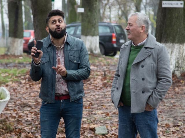 Sergiu Costache, interpretul manelistului Bebe din serialul Mangalița, a luat lecții de clarinet și pian