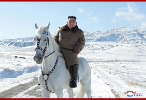Coreea de Nord a importat cai pursânge din Rusia în 2019, an în care au apărut imagini cu Kim Jong Un călare