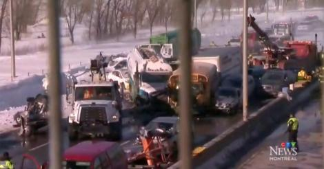 Accident cu sute de mașini implicate, în Canada pe o autostradă. Doi oameni au murit și alți zeci au fost răniți