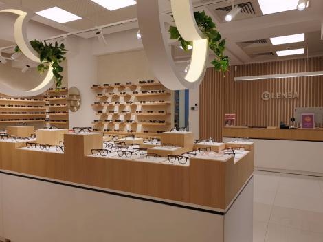 Un retailer online de optică îşi extinde prezenţa fizică cu un nou magazin, la Iaşi