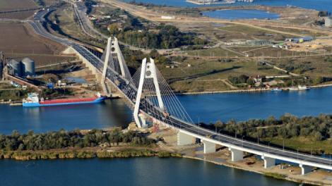 Combinatul Liberty Galaţi anunţă că a început livrările de oţel pentru podul suspendat de la Brăila