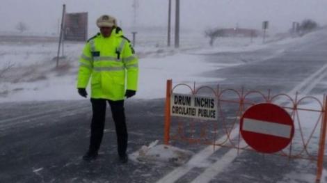 Anunț de ultimă oră! Toate drumurile naționale dintr-un județ au fost închise, din cauza codului Roșu