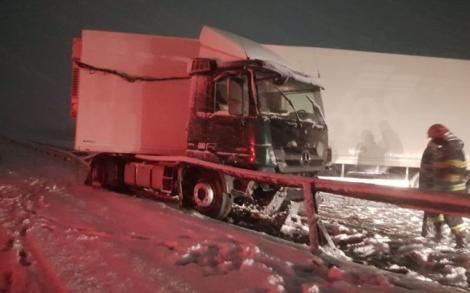 Accident mortal cauzat de ninsoarea viscolită şi vizibilitatea redusă. Victima este un pieton
