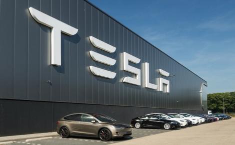 Livrările Tesla, afectate de epidemia coronavirus. Acţiunile companiei au scăzut cu 17%