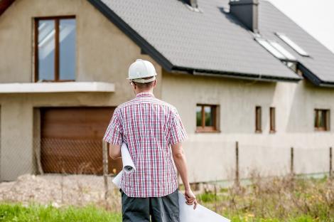 Îți ridici o casă? Vezi 5 sfaturi de la meseriașii în construcții