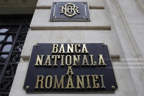BNR explică reducerea rezervelor minime pentru bănci: Noile date statistice reconfirmă scăderea ritmului anual al creşterii economice. Creditul în valută şi-a amplificat contracţia