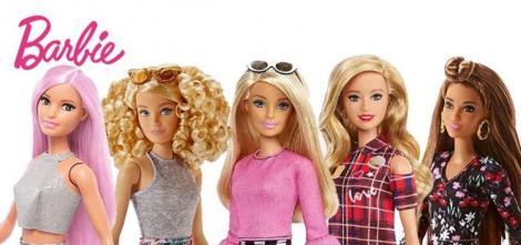 Păpușa Barbie, fără niciun rid, la aniversarea de 61 de ani. Scurtă istorie a prestigioasei păpuși