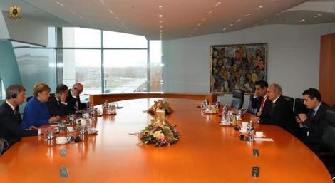 """Merkel îl primeste pe Haftar şi-i spune că """"nu există soluţie militară la conflictul din Libia"""""""