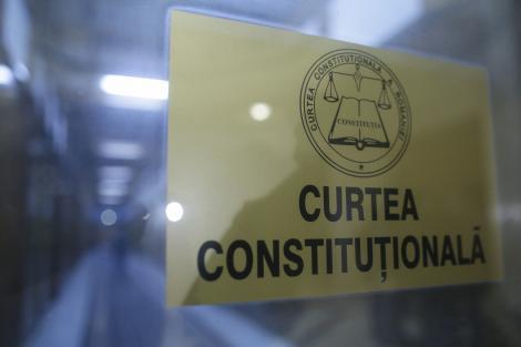 Curtea Constituţională a decis că OUG privind alegerile anticipate, emisă de Guvernul Orban cu o zi înainte de demitere, este neconstituţională în ansamblul său