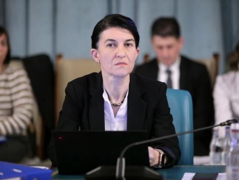 Ministrul Muncii: Nu suntem în acest moment în situaţia de a închide instituţii publice/ Nu sunt de acord să se închidă activitatea de relaţii cu publicul