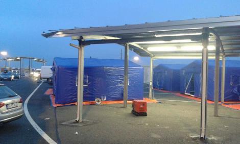 Trafic restricţionat pentru vehiculele cu lăţimea mai mare de 4 metri, la Agenţia de Control şi Încasare Calafat, din cauza corturilor pentru triaj amplasate în zonă