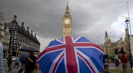 Marea Britanie a anunţat un program de 400 de miliarde de dolari pentru susţinerea companiilor afectate de pandemie