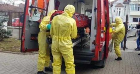 Bărbat suspect de coronavirus, ținut cinci ore într-o ambulanță. Motivul pentru care omul nu a fost transportat la UPU Deva