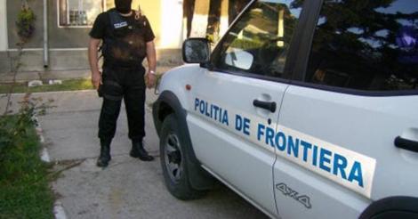 Descoperirea Poliției de Frontieră într-un camion încărcat cu role textile. Ce a găsit printre mărfurile transportate