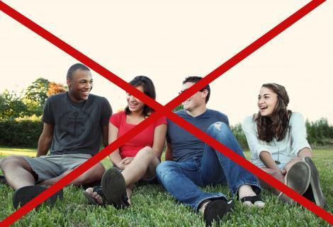 Noile restricții. Nu ai voie să circuli în grupuri mai mari de trei persoane. Ce înseamnă acest lucru