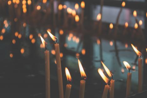 Noile retricții. Înmormântările, nunțile și botezurile sunt interzise cu mai mult de opt persoane