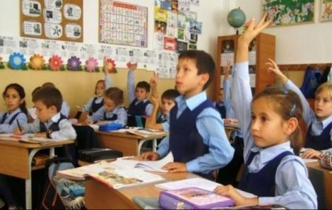 """Ministrul Educației vine cu precizări despre anul școlar 2020-2021: """"Este exclus ca elevii să nu termine școala. Examenele nu se amână"""""""