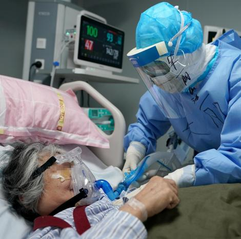Două femei ucise de coronavirus în România! Au murit în ziua în care au primti rezultatul pozitiv al testului COVID-19