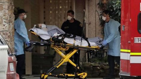 Informații care vă pot afecta emoțional! Un copil în vârstă de cinci ani a fost găsit lângă cadavrul mamei ucise de coronavirus cu 12 ore în urmă