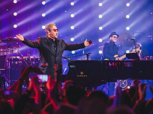 Covid-19 - Campania caritabilă condusă de Elton John a strâns opt milioane de dolari