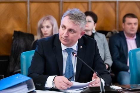 Bode, avizat pozitiv în comisiile parlamentare, anunţă măsuri în cazul epidemiei de coronavirus: Aeroportul Otopeni va avea termo-scannere începând de vineri. Tarom nu va fi lichidată