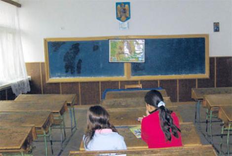 Elevă din Botoșani întoarsă din Italia, dintr-o zonă fără risc de coronavirus, s-a trezit singură în școală. Colegii au absentat, de teamă să nu infecteze