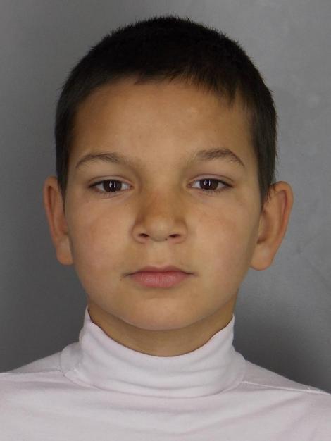 Doi fraţi, de 10 şi 12 ani, care au fugit de acasă, căutaţi de poliţiştii din Brăila