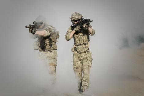 Alertă în apropierea granițelor României! Armata este pe cale să intervină. La graniţă va putea fi folosită forţa fizică, inclusiv tunuri cu apă, gaze lacrimogene şi grenade paralizante