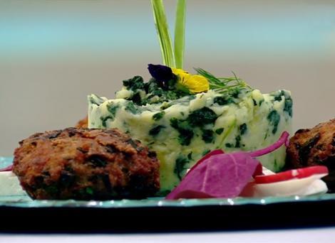 Rețetă de post. Chiftele de legume cu piure de cartofi și spanac