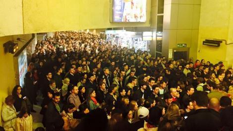 Cei care circulă zilnic cu metroul în Capitală, supuși riscului de coronavirus. Ce spune Raed Arafat
