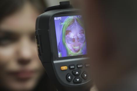 Panică în Regie, în Bucureşti! O tânără care s-a întors recent din Italia şi acuză dureri în gât, suspectă de coronavirus