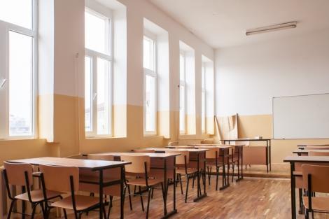 Asociaţia Elevilor din Constanţa solicită închiderea şcolilor pentru a reduce riscul de contaminare cu coronavirus
