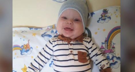El e Mattias din Rădăuți și a învins Covid-19, la doar șase luni! Primul bebeluş infectat cu coronavirus din România s-a vindecat
