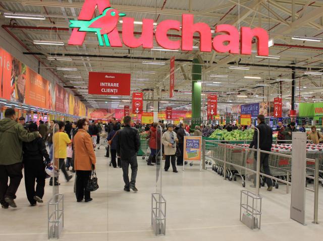 Program supermarketuri Paște 2020. Magazinele Auchan se închid în prima şi a doua zi de Paşte